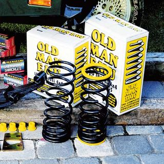 Nissan D40 Pick up OME Suspension Kit +40mm